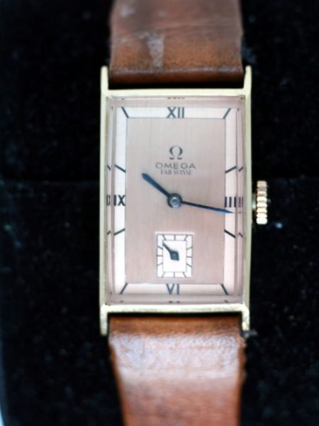 1938 Solid 18k Gold Art Deco Rectangular Case with Beautiful Two-tone Copper Roman Numeral Dial and Special Cut Glass. Unisex Watch Calibre T17 Manual Winding Movement
