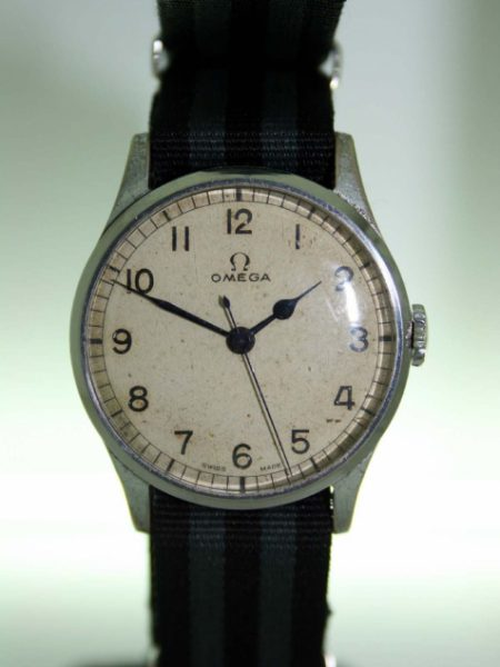 1942 WW2 Royal Navy Fleet Air Arm Pilot's Watch Cal. 30T2 with Military Issue Numbers on Case-Back Original Omega Dial with Blue-Steel Hands. Original Winding Crown Very Nice Example