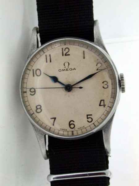 1943 Rare WW2 British Military Issued RAF Pilot's Wristwatch with Military Markings and Original Dial. 30T2 Calibre Movement