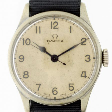 1943 WW2 RAF Spitfire Pilot/Navigator Watch Cal. 30T2 with Original Dial and Blued Steel Hands British Air Ministry Issue Markings A.M. 6B/159/43 on Back