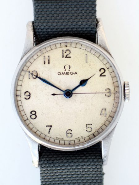 1943 WW2 RAF Spitfire Pilot/Navigators Watch Cal. 30T2 with Original Dial