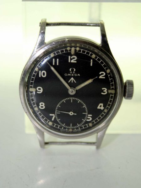1944 30T2  WW2 British Army Officer's Wristwatch with Original British Ministry of Defence Broadarrow Dial and Military Issue Markings on Case-Back. Superb Example in Outstanding Original Condition