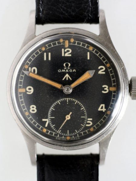 """1944 """"D-Day"""" WW2 British Military Army Officers Watch Cal. 30T2 Movement MOD Military Dial Braoadarrow and Military Issue Markings on Case-Back Original Large Winding Crown Fixed Lugs"""
