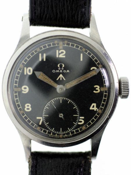 "1944 ""D-Day"" WW2 British Military Army Officers Watch Cal. 30T2 Original MOD Military Braoadarrow Dial with Military Issue Markings on Case-Back Original Large Winding Crown Fixed Lugs"