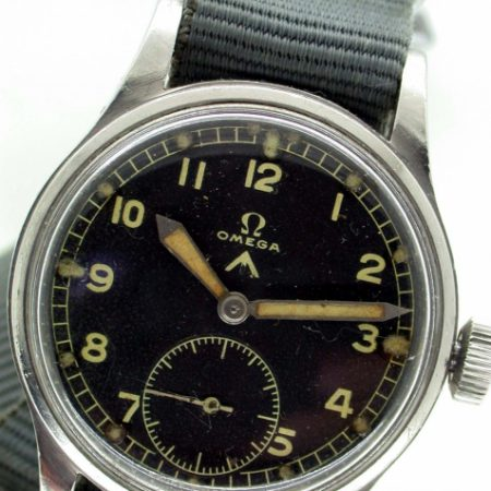 1944 WW2 British Army Officer's Issued Wristwatch Military Broadarrow and Issue Numbers on Case-Back. Original Military Dial