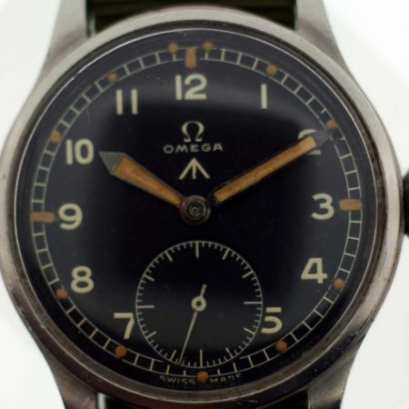 1944 WW2 British Military Army Officer's Watch Cal. 30T2 Movement British MOD Dial W.W.W. Military Issue Markings on Case-Back Original Large Winding Crown Fixed Lugs