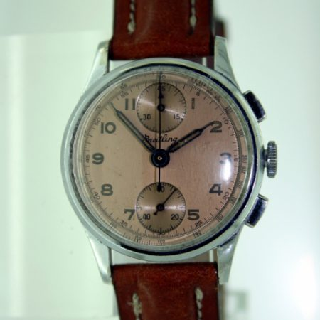 """1946 Rare """"Up and Down"""" Register Venus 170 Chronograph Breitling Model Ref. 171 with Olive Shaped Pushers and Original Salmon-Coloured Breitling Signed Telemetre Dial"""