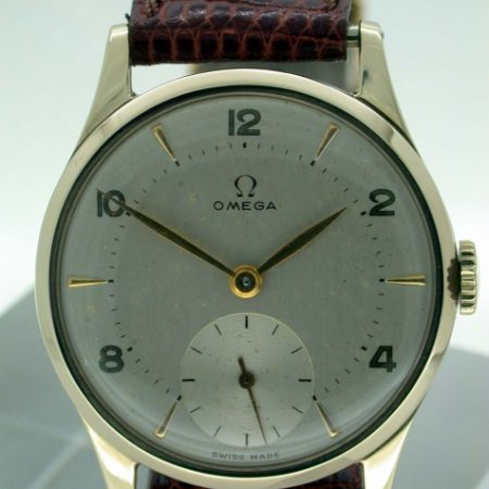 1949 Hallmarked Solid 9ct Gold Case Manual Wind Cal. 30T2 Wristwatch with Subsidiary Seconds and Beautiful 1940's Dial and Hands