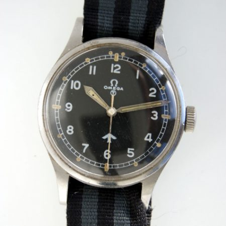 """1953 British Military Issued RAF Pilots Watch with Numbers on Caseback 6645/101000/6B/542/189/53 British MoD """"Fat Arrow"""" Tritium Dial Military Crown Fixed Bar Lugs Original Dust Cover and Spacer"""