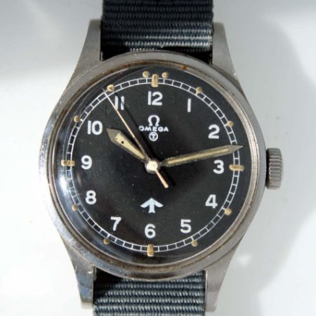 """1953 British Military RAF Pilots Watch with Very Early Issue Numbers on Caseback 6645/101000/6B/542/189/53 British MoD """"Fat Arrow"""" Tritium Dial Military Crown Fixed Bar Lugs Original Dust Cover and Spacer"""