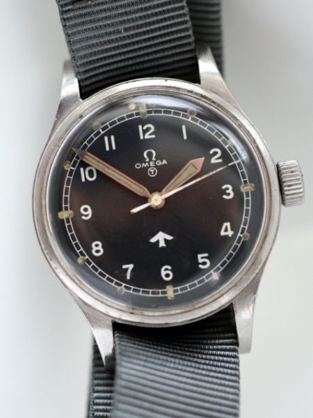 "1953 RAF Pilots Watch with Military Issue Numbers on Case-Back 6645/101000/6B/542 Perfect Orignal British MOD ""Fat Arrow"" Tritium Dial Big Military Crown Fixed Lugs"