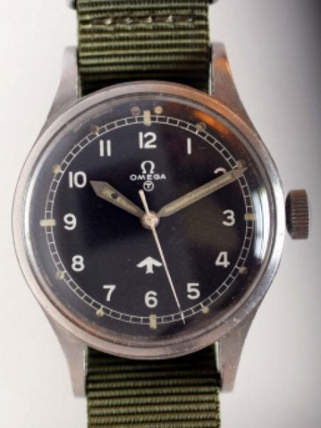 "1953 RAF Pilots Watch with Military Issue Numbers on Case-Back 6645/101000/6B/542/2265/53 British Ministry of Defence ""Fat Arrow"" Tritium Dial Military Crown Fixed Bar Lugs Original Dust Cover"