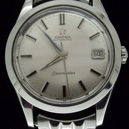 1963 Classic Gent's Seamaster Automatic Calendar Cal. 562 on Omega Signed Bracelet All in Stainless Steel and in Mint Condition