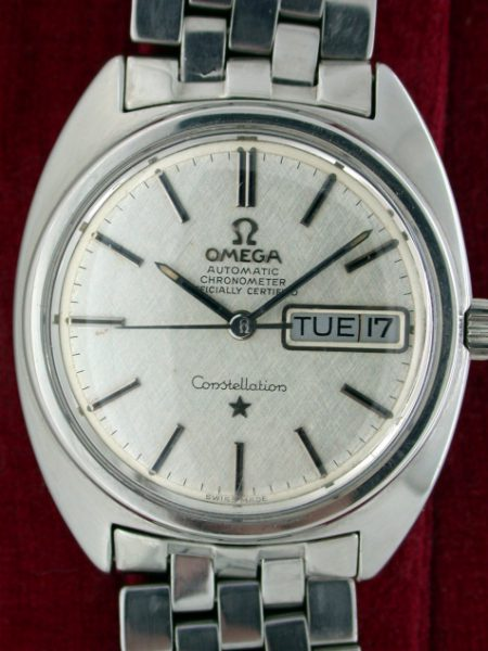 "1970 Beautiful ""C"" shape Constellation Day-Date Calendar Chronometer All Steel on Original Omega Bracelet. Snowflake Dial"