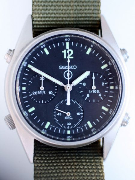 """1989 Gen.1 British Military Chronograph from the First Gulf War """"Operation Desert Storm"""" RAF Issued with Correct Broadarrow and 6645 Military Issue Markings. New Mineral Glass"""
