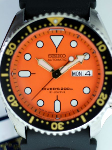 2004 Orange Dial Divers 200m Watch Ref. SKX011J1 New with Box and Papers on Original Rubber Divers Strap 21 jewels Automatic Movement