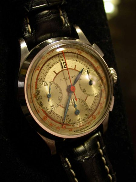 Big Rare Valjoux 72 Pilot's Chronograph from WW2 with Oustanding Dial.