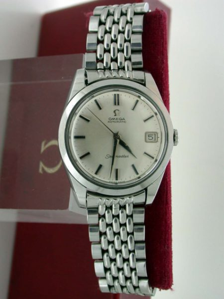 "Boxed Gents Automatic Seamaster Calendar in Original Excellent Condition on ""Beads of Rice"" Omega Full Length Stainless Steel Bracelet"