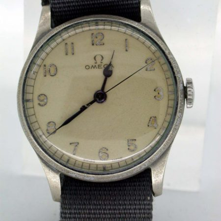 Rare WW2 RAF Pilot's Wristwatch Issued in 1943 by British Air Ministry with Military Issue No. 6B/159/10206/43