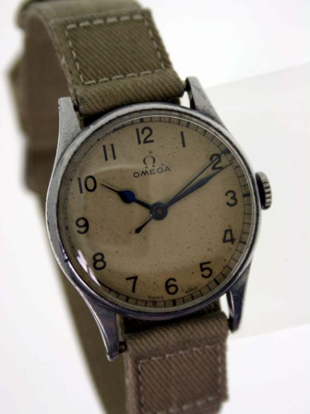 Vintage 1942 WW2 Spitfire Fighter Pilot or Navigator's Watch RAF Issued with Military Issue Numbers 6B/159 on the Case-Back and Original Omega Dial with Original Blue-Steel Hands. Cal. 30T2 Movement