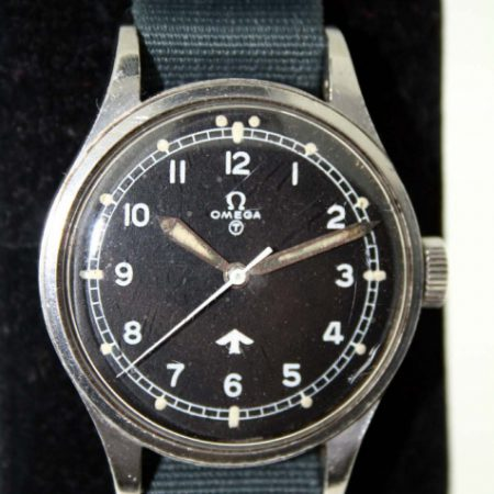 "Vintage 1953 RAF Pilot's Watch Military Issue Numbers 6B/542 British Ministry of Defence ""Fat Arrow"" Tritium Dial Original Crown and Military Fixed Bar Lugs Original Dust Cover and Spacer Ring"