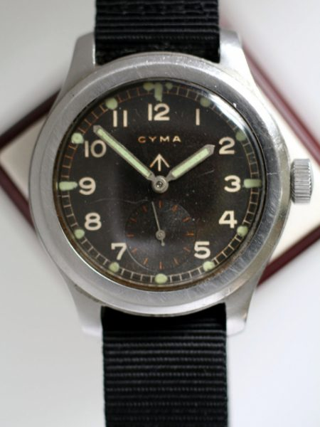 c1941 WW2 British Military Army Officers Watch in Large Screw-Back Stainless Steel Case with W.W.W. Military Issue Numbers and Broadarrow Antimagnetic Dust Cover
